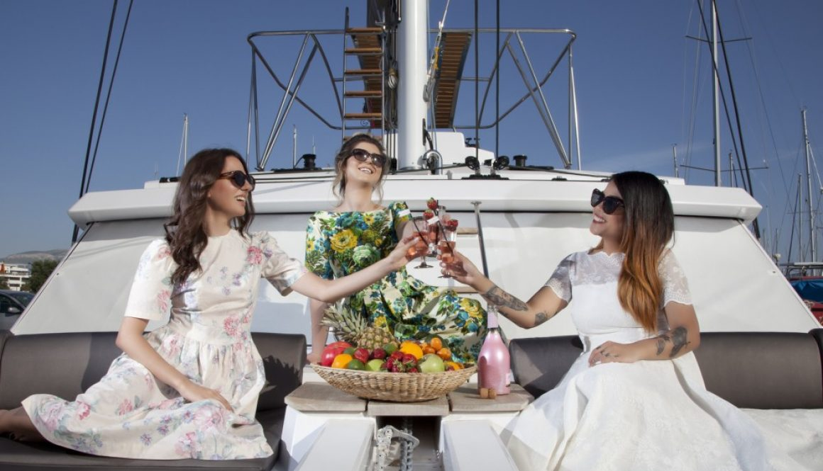 Summer jet-set cruise styled shoot