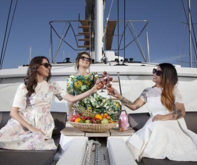 Summer jet-set cruise styled shoot