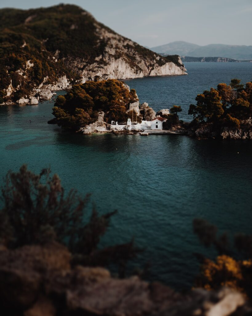 cinematic storytelling with small church on the little island in Greece on Ellwed